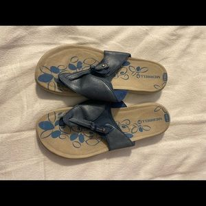 Woman's Merrell size 9.5 Tong Sandals Preowned